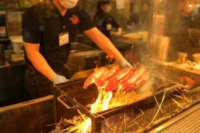 高知市ひろめ市場、明神丸の藁焼き鰹のタタキ一択・春のバイク小旅