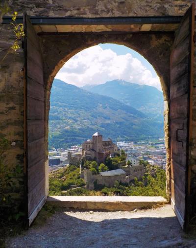 スイス・ロマンドの美しい街17  シオン/Sion