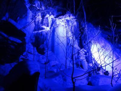 奥入瀬渓流氷瀑ツアー