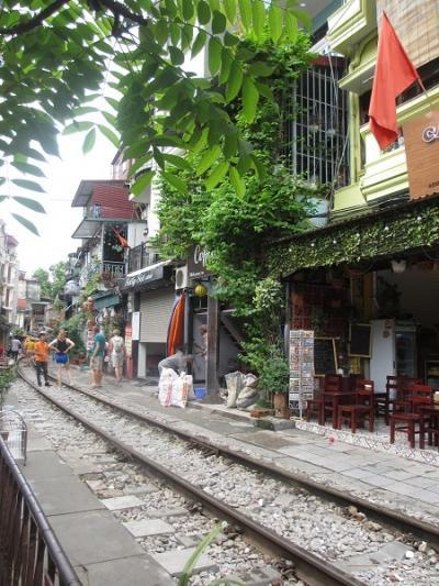 2019年7月ハノイ(トレインストリート・ハンザ市場でバッチャン焼・街歩き)