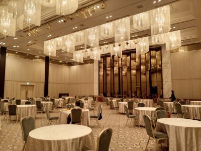 御殿山トラストシティの「東京マリオット」は、大宴会場でカクテルタイム!!