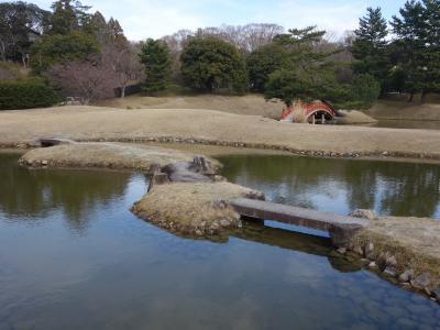 旧大乗院庭園を散策。いかにも日本的な,あかるい,回遊式の庭園です。