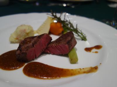 奈良ホテルで夕食。フレンチのコースです。おいしかった。