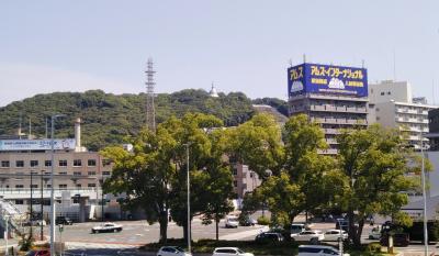 広島駅北口から見える銀色の仏塔・二葉山平和塔へ行ってみた。