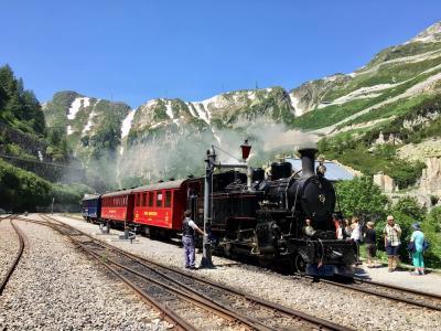 スイス 絶景に心奪われ、列車に心躍る15日の旅 ⑨【フルカ山岳蒸気鉄道】