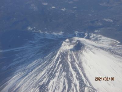 12年ぶりの石垣島(2)富士山真上の飛行(お釜覗き)。