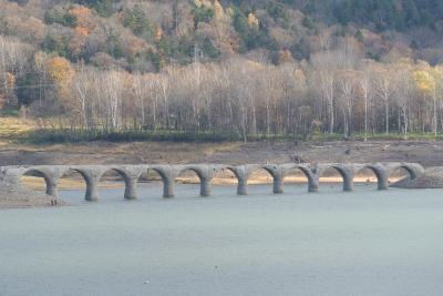 十勝日高レンタカー1000kmの旅(2)士幌線・タウシュベツ川橋梁・糠平湖・層雲峡を訪ねて