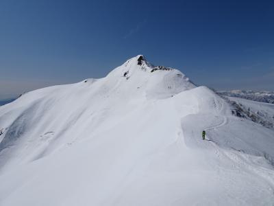 絶景の雪山ハイク♪川場スキー場から武尊山