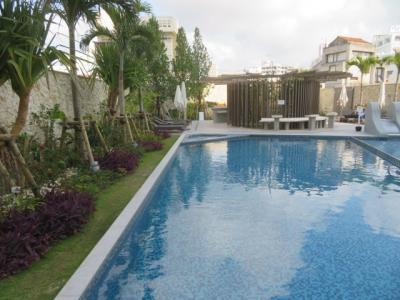 那覇「沖縄逸の彩温泉リゾートホテル」に宿泊して温泉と食事を楽しむ