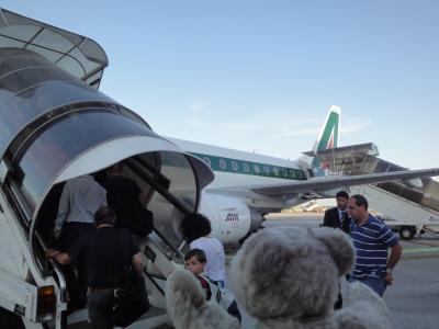 """初めてのローマ その1(イタリア・スペイン・ポルトガル・オランダ 12日間の旅 その4-1)""""アリタリア航空""""初搭乗、ピサからローマへ移動!"""