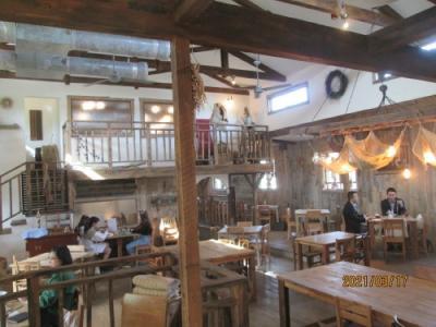 流山市のおおたかの森・148カフェ・納屋(BARN)