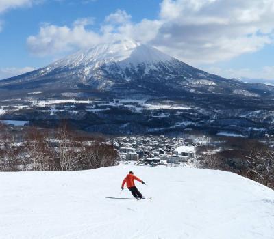 団塊夫婦のスキー&絶景の旅・2021ー(3)待望のニセコ・グランヒラフ&アンヌプリを滑る