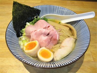 埼玉県内でその名を馳せる「寿製麺よしかわ」坂戸店にチャリ漕いで行って来ました