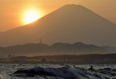 2020年度末の茅ヶ崎海岸  黄砂襲来