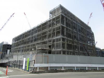 中外ライフサイエンスパーク横浜の鉄骨群