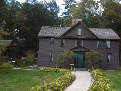 マサチューセッツ州 コンコード - 「若草物語」のオーチャードハウス
