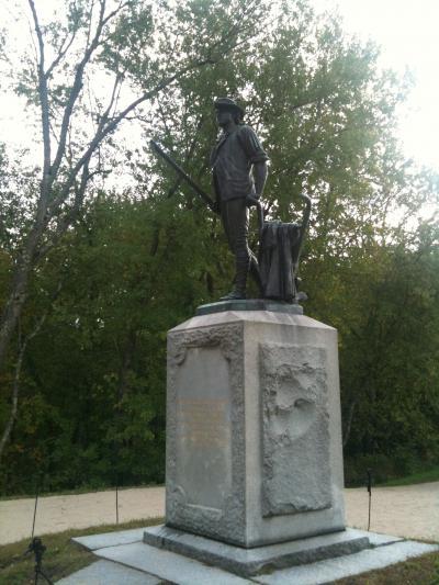 マサチューセッツ州 コンコード - ミニットマンの像とコンコードの戦い