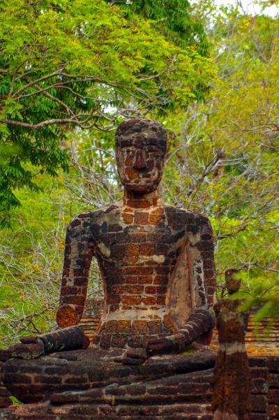 タイの遺跡を全部巡るつもりが、コロナの影響で北部だけで終わってしまった旅 その6 WAT SINGH