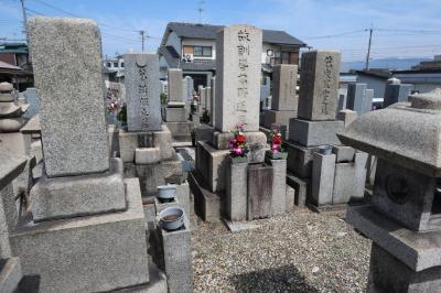八尾で活躍した葛佛蓮の墓