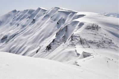 冬の守門岳 有名な大雪庇を見に日帰り登山