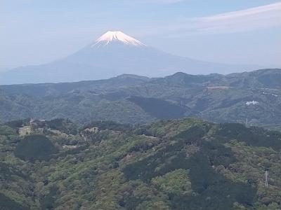母を連れて伊豆高原 大室山とステンドグラス美術館