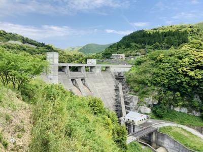 城水渓谷に行っての帰りに川辺ダムに寄って見ました