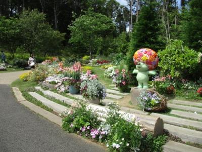 春の横浜里山ガーデンフェスタを散策する