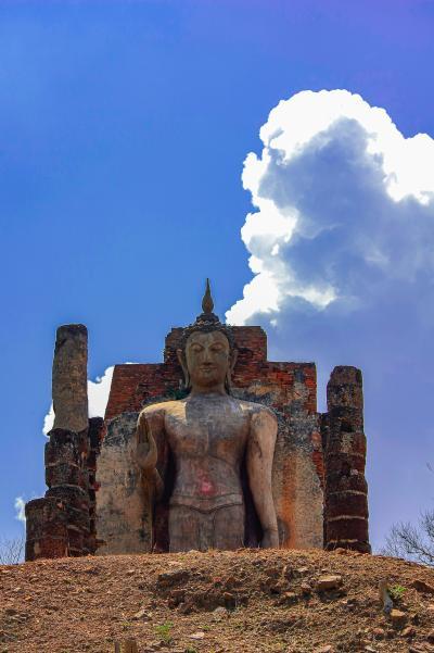 タイの遺跡を全部巡るつもりが、コロナの影響で北部だけで終わってしまった旅 その24 スコータイ歴史公園西側の遺跡へ