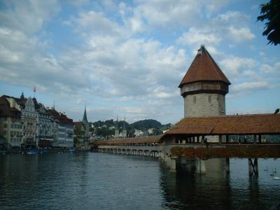 ルツェルンは湖畔の明光風靡な街