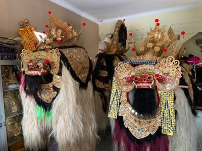 伝統舞踊の衣装工房