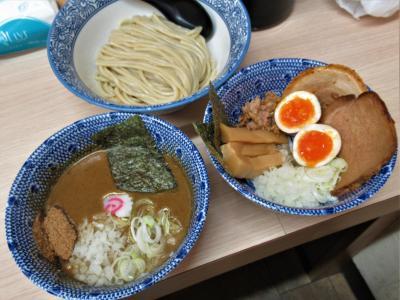 埼玉屈指の有名店「狼煙」−2 大宮店で濃厚つけ麺(+特製トッピング)を啜る