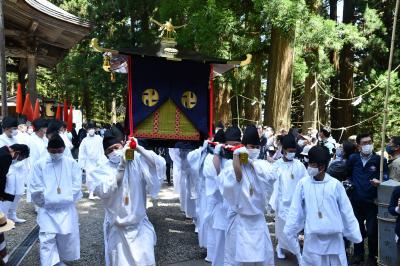 「戸隠の神」七年に一度の神社変え!