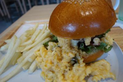 20210513 京都 Unir京都店のランチで、ハンバーガー