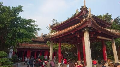 年末年始ベトナム北中部紀行(11) ハノイの水上人形劇とホアンキエム湖の夕べ