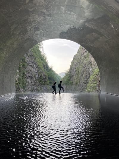 6・8歳児連れ、越後湯沢と清津峡週末旅行
