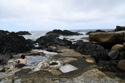 波しぶきがあたる海中温泉は超気持ちいい!