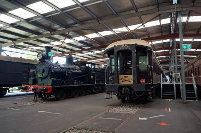 オーストラリア NSW鉄道博物館(その1 メインの展示館の貴重な車両と蒸気機関車、客車)