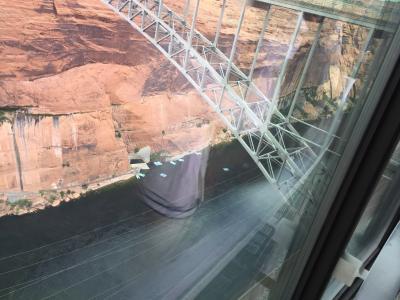 アリゾナ州 ページ - 3度目のグレン キャニオンダム橋をドライブ