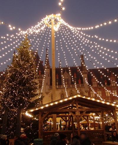 2019年ベルギーのX'sマーケット巡り【3】ブルージュ:夜のマルクト広場でクリスマーケットを堪能