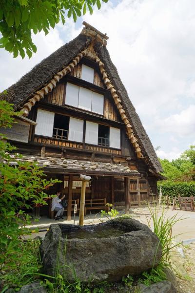 40年振りの生田緑地の日本民家園で久し振りの旅気分を味わう。