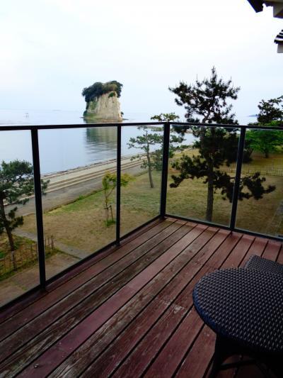 珠洲温泉のとじ荘 露天風呂付き特別室宿泊記 見附島がすぐそこに見えた