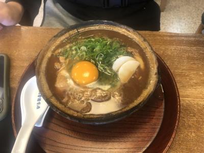 娘達と名古屋に来て山本屋さんの味噌煮込みを頂きました。