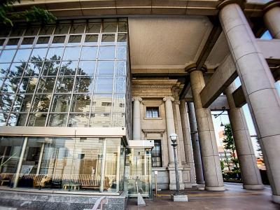 平日美術館 千葉 : どーなってんのコレ? ポップアートを観に行ったら美術館の建物が面白かった件