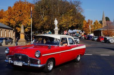 タスマニアのロスとシドニーにて紅葉とクラシックカー「ホットロッド」 (Autumn colour and Classic car show)