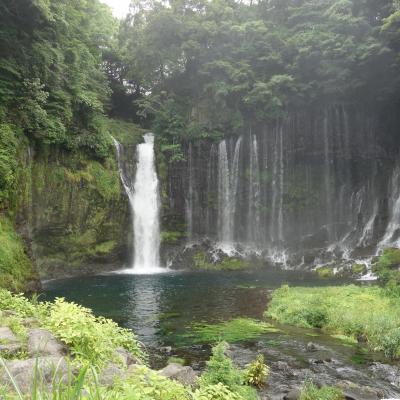 滝は写真を撮るのが難しい。白糸の滝は特に。