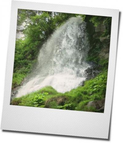 マイナスイオンを浴びに、黄金色の横谷温泉へ。