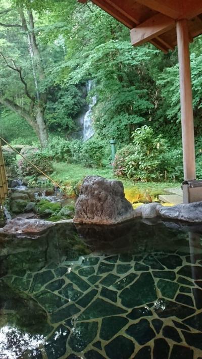 母の米寿を祝って、金沢の滝亭で温泉と料理を堪能しました。
