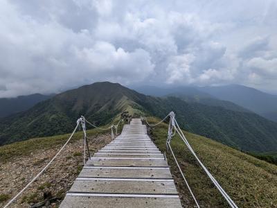 観光タクシーをチャーターして剣山へ、二重かずら橋、かかしの里、落合集落