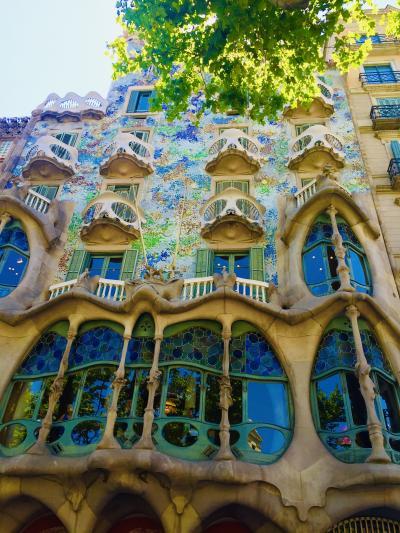 ☆ スペイン〜Barcelona ガウディ建築に魅せられて① ☆