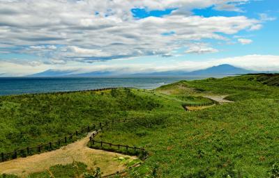 花盛りの原生花園を訪ね、北天の丘あばしり湖鶴雅リゾートに滞在